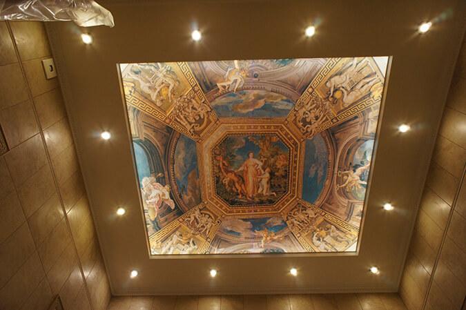 Фотопечать на светопрозрачном потолке