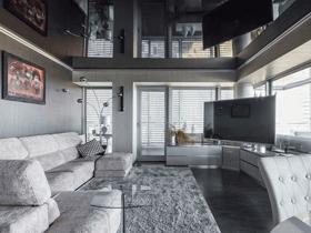 чёрный потолок в квартире