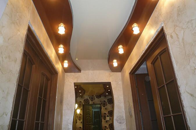 Волнистый двухуровневый натяжной потолок