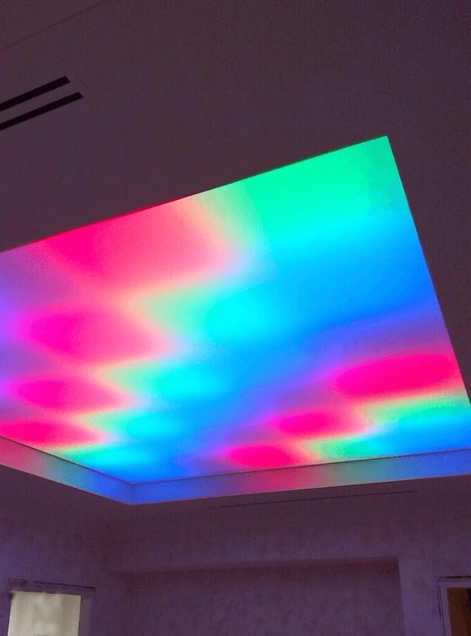 Светопрозрачный потолок с регулируемой подсветкой