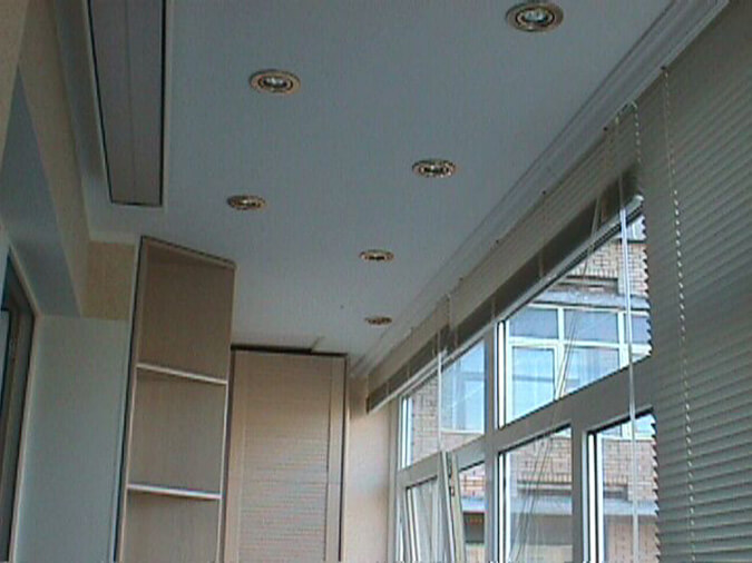 Тканевый потолок на балконе