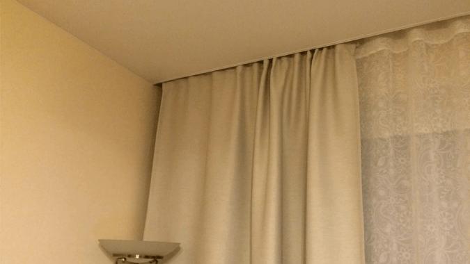 Скрытая гардина для натяжных потолках