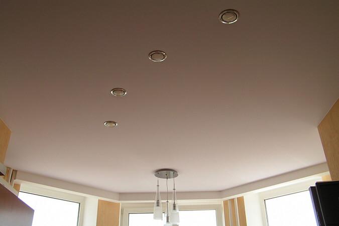 Натяжной потолок матовый в квартире