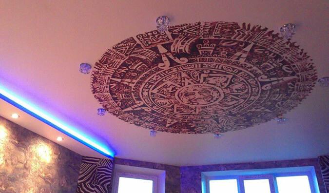 Тканевый натяжной потолок с подсветкой