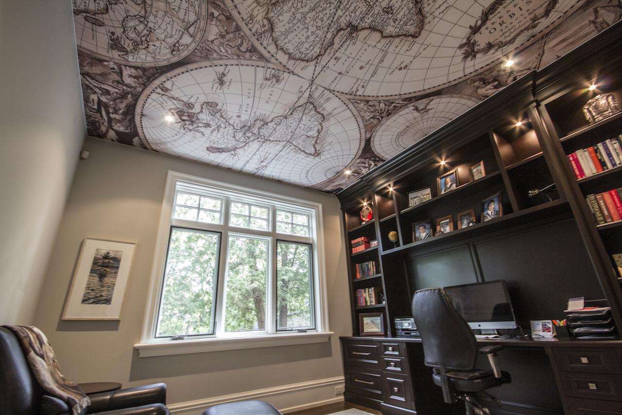Фотопечать карта на потолке
