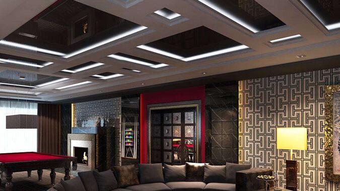 Чёрный натяжной потолок в стиле китч