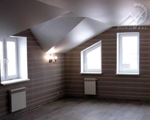Матовый натяжной потолок на мансарде