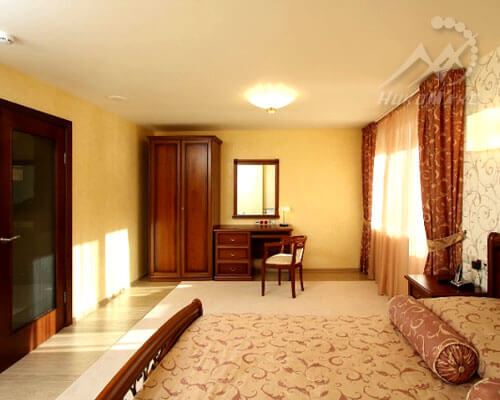 Тканевый натяжной потолок в гостинице