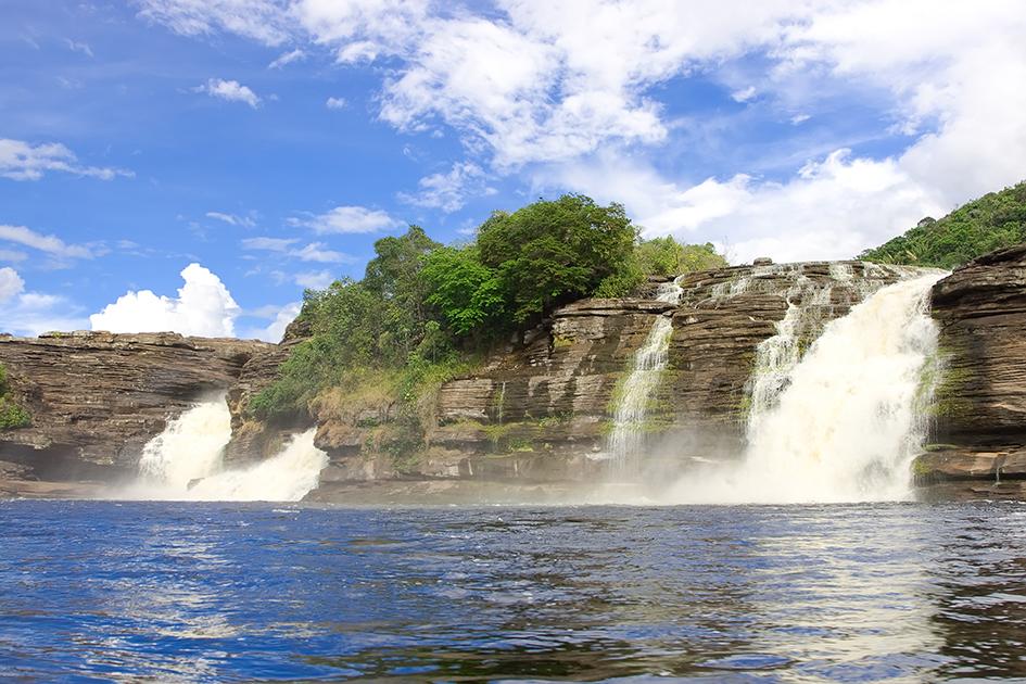 Водопады 104764415