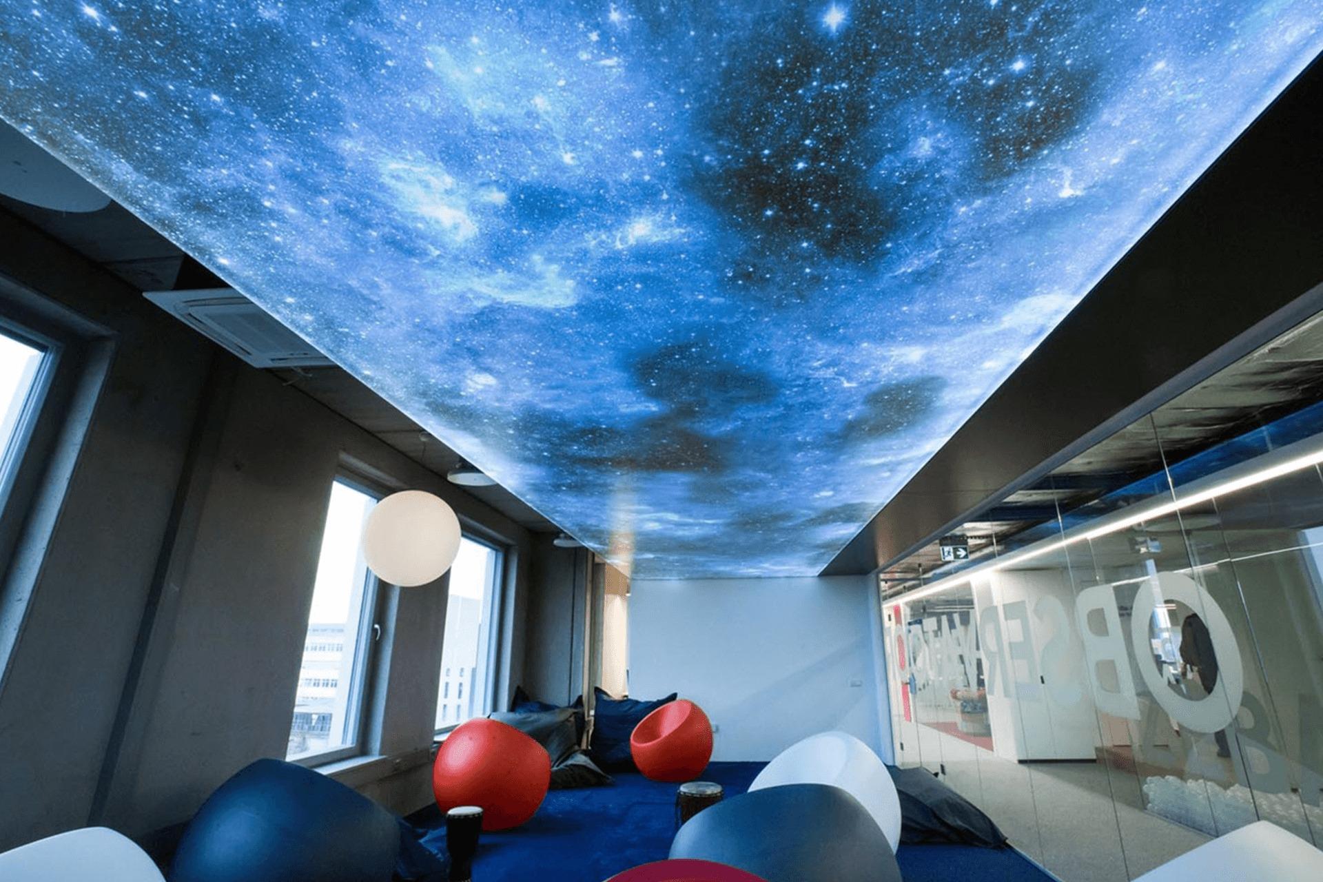 Фотопечать звёздное небо в офисе