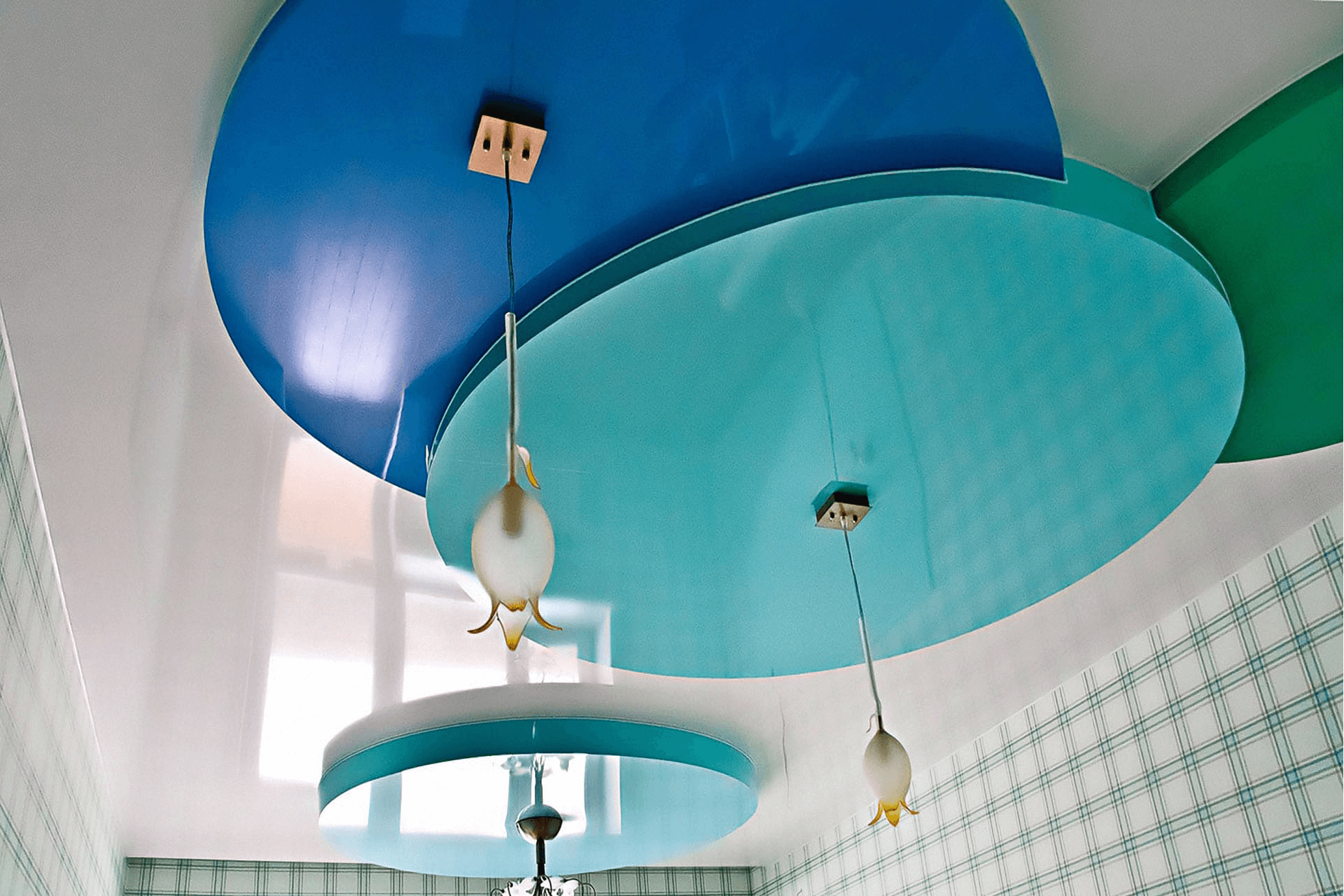 Круги на потолке