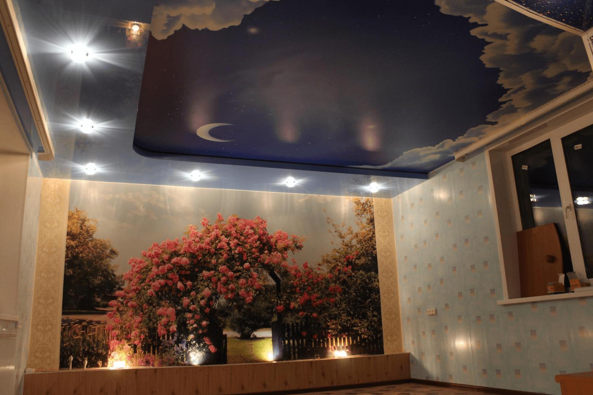 Сатиновый натяжной потолок с фотопечатью в детской