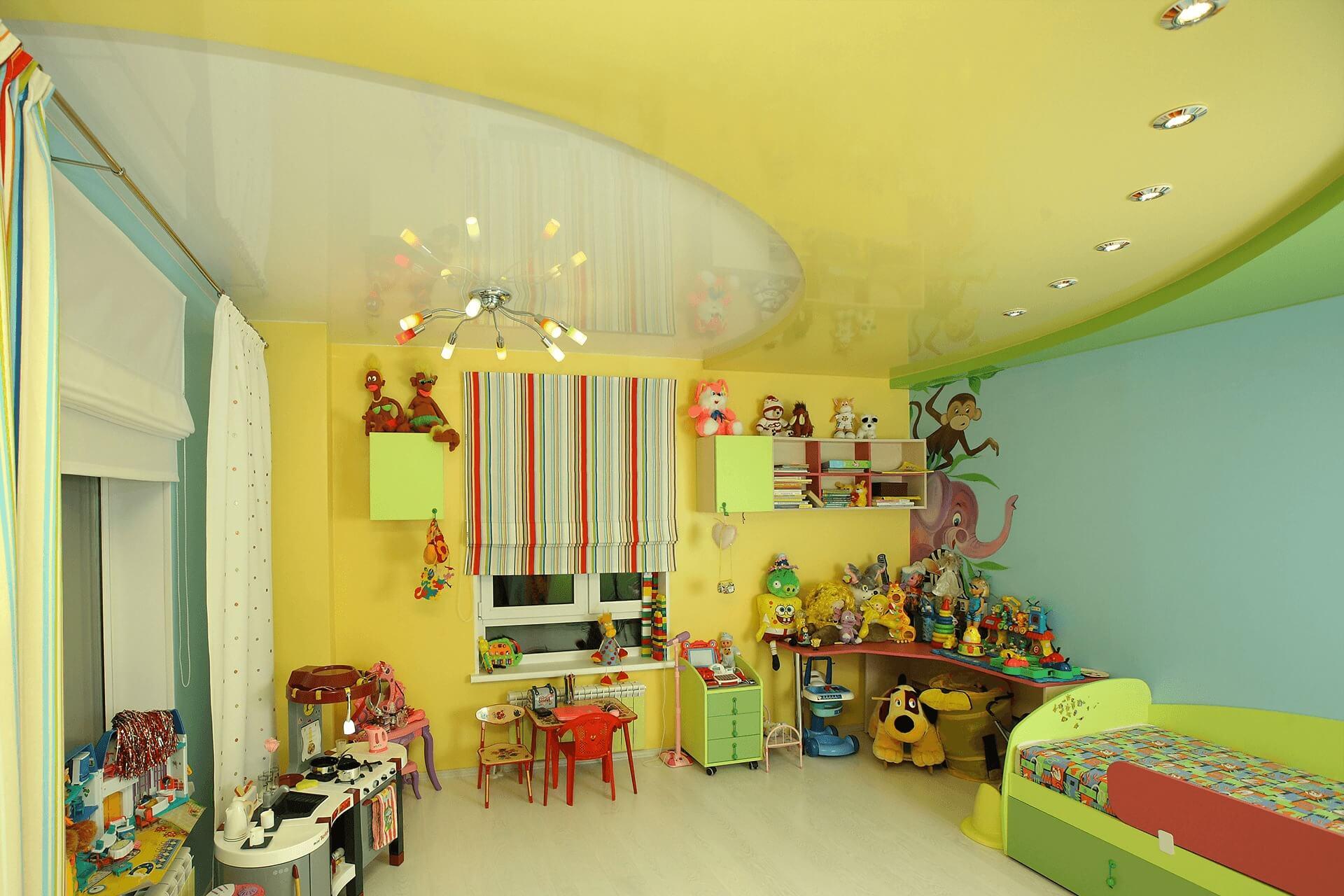 Многоуровневый натяжной потолок в детской.