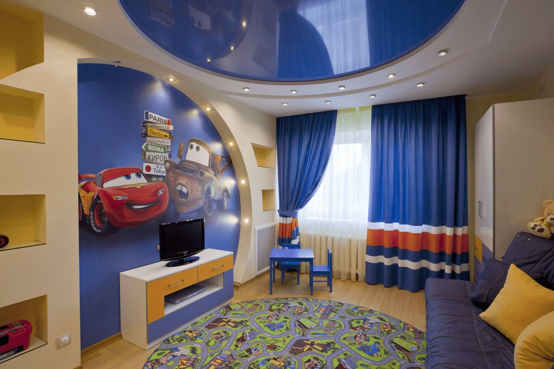Синий натяжной потолок в детской. Комната для мальчика.