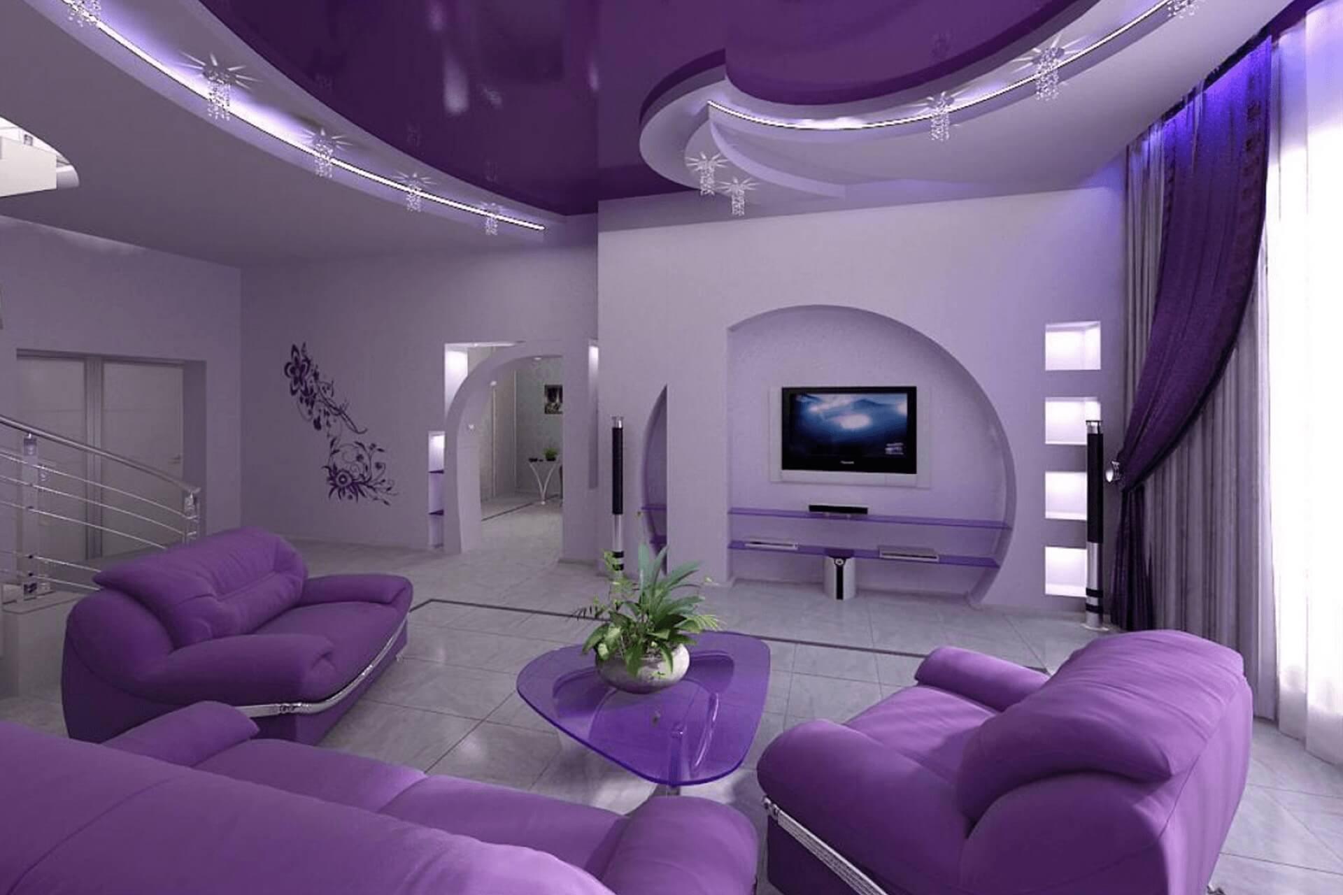 Фиолетовый натяжной потолок в зале
