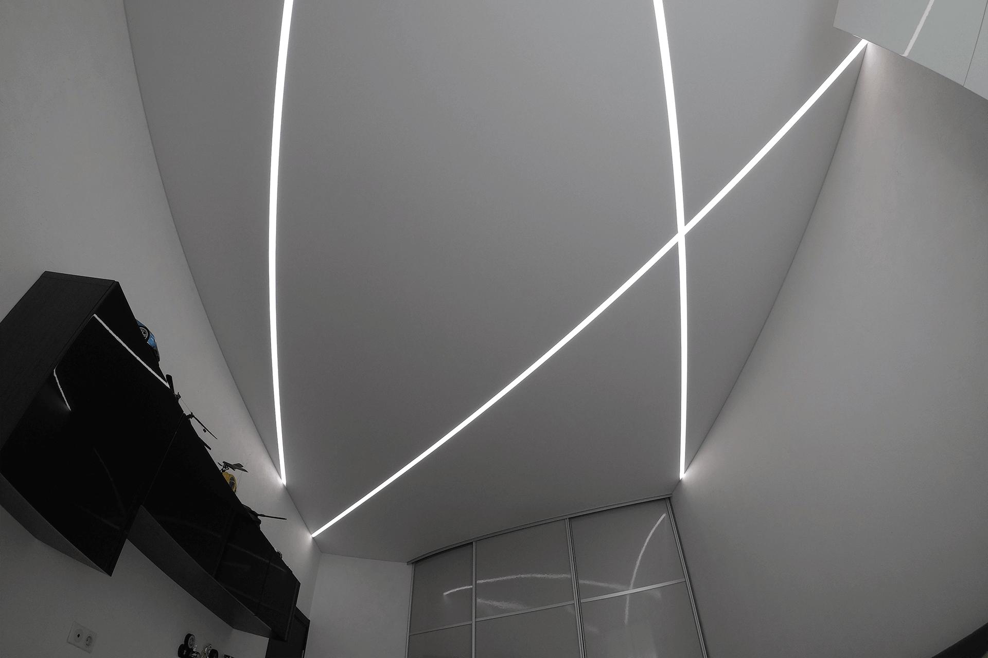 световые лини в комнате