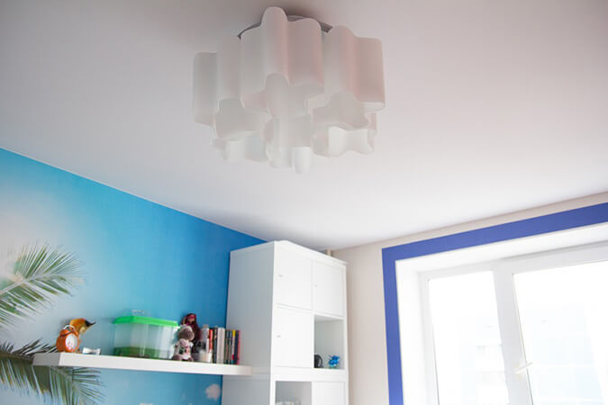 бесшовный тканевый потолок в детской