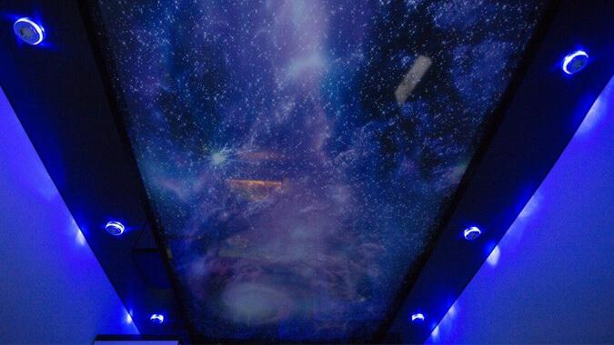 Звездное небо с дополнительной подстветкой