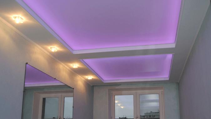 Светопрозрачный сиреневый потолок