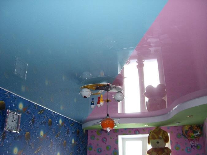 Натяжные потолки по обои в детской