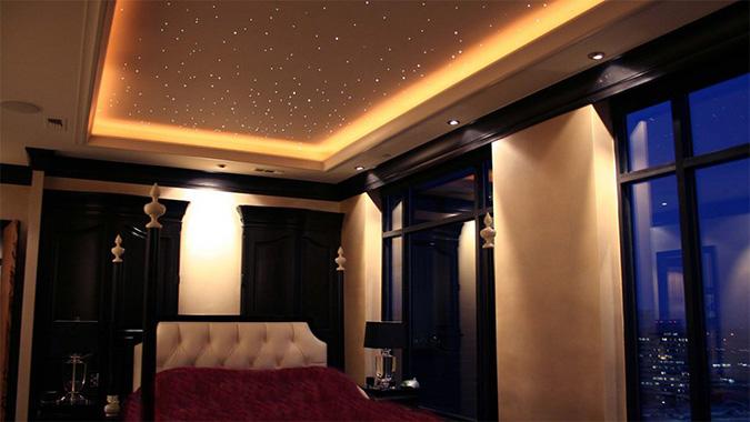 Натяжные потолки с подвсветкой