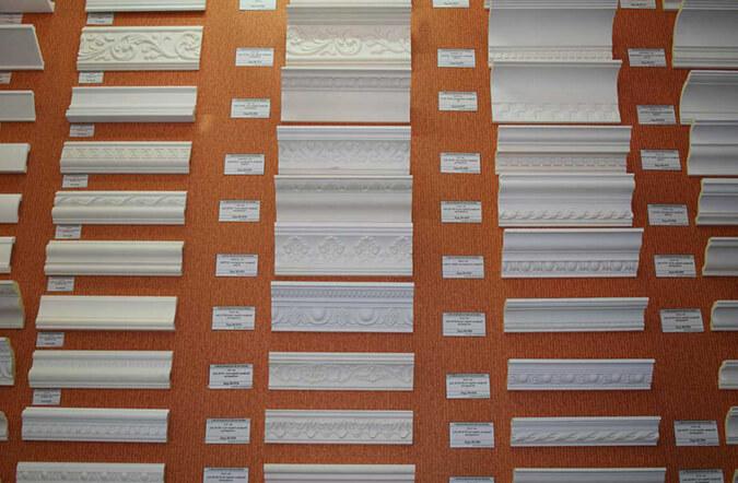 Пенопластовый плинтус для натяжного потолка