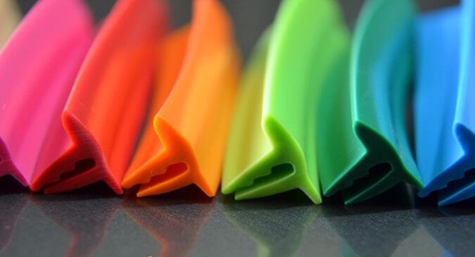 цветовая гамма плинтуса для натяжного потолка