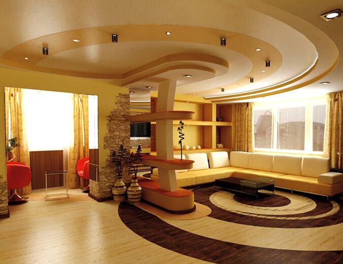 Сатиновый натяжной потолок в гостинной