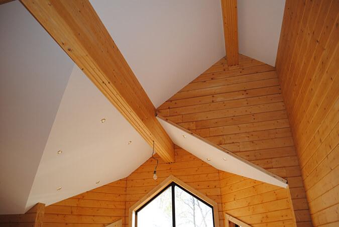 тканевый натяжной потолок в доме