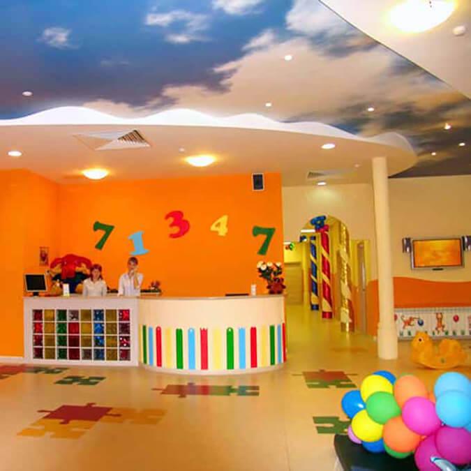 Натяжные потолки в детском саду