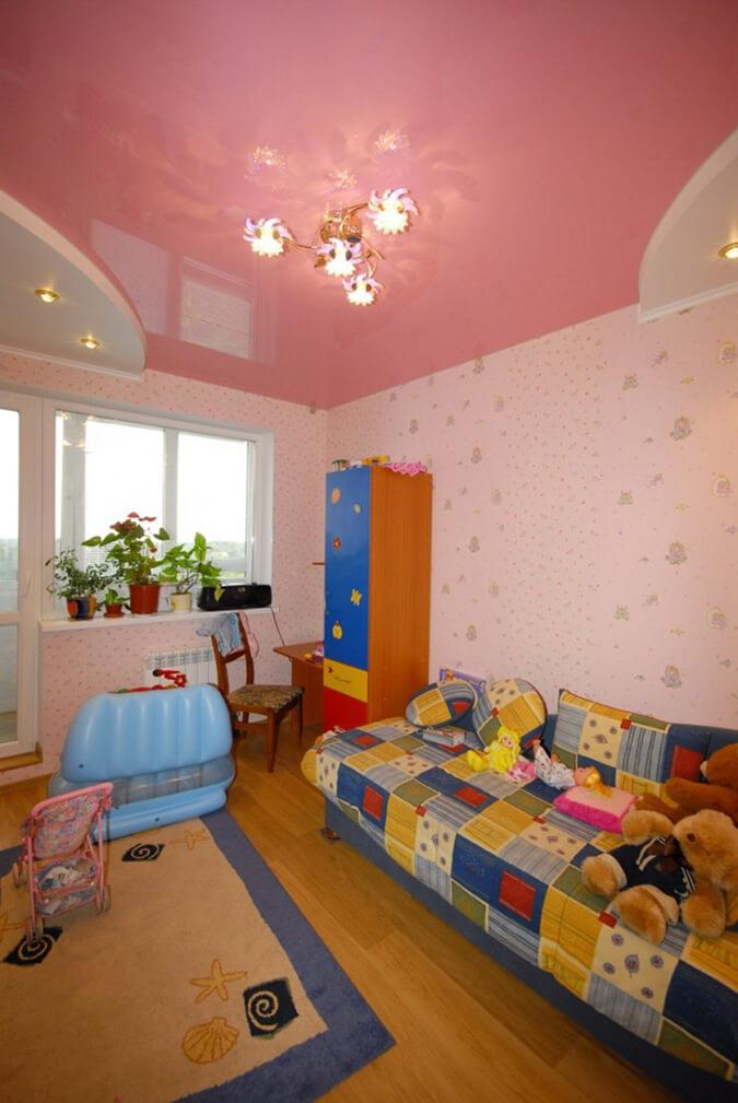 Двухуровневый натяжной потолок для девочки